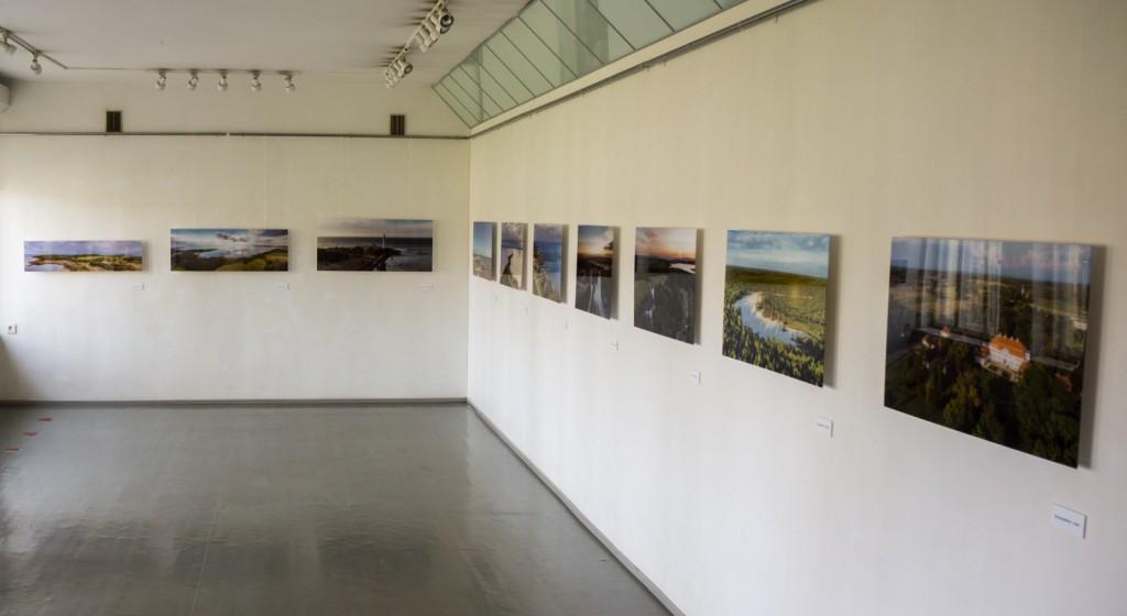 Näitus Kärdla Kultuurimaja näitusesaalis